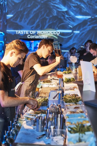 Bombay Sapphire; Pop-Up Bar; Experiential